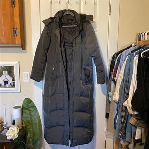 1 Madison Long down winter coat, worn once size L